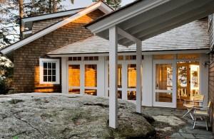 Cedar-Shake-Roof-Whitten-Architects-Gardenista